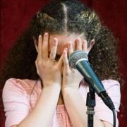 آموزشگاه-موسیقی-ترس-از-صحنه-در-اجرا