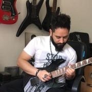 افشين-محسنى-آموزش-گیتار-پاپ-راک-الکتریک