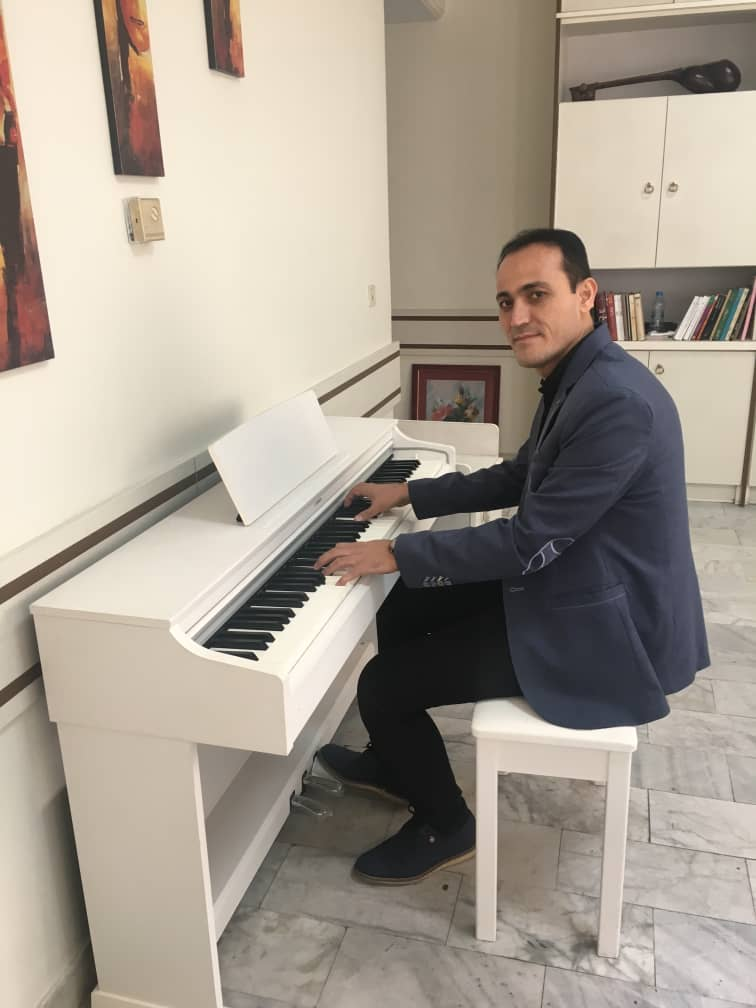 مجید-نیاز-نژاد-آموزش-پیانو-آکاردئون