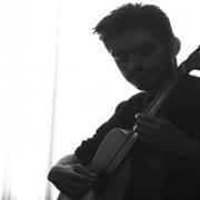 اساتید-آموزشگاه-موسیقی-ناردونه-اردوان-مفیدی-آموزش-گیتار-پاپ-و-کلاسیک